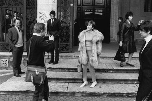 Barbara Streisand with Paparazzi, Paris, 1966<br/>