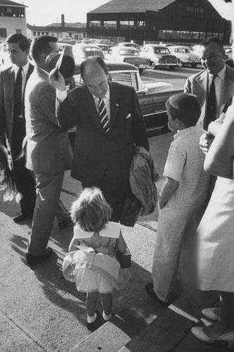 Adlaia E. Stevenson greeting little firl during Democratic campaign, Sioux City, Idaho, 1956 Archival Pigment Print