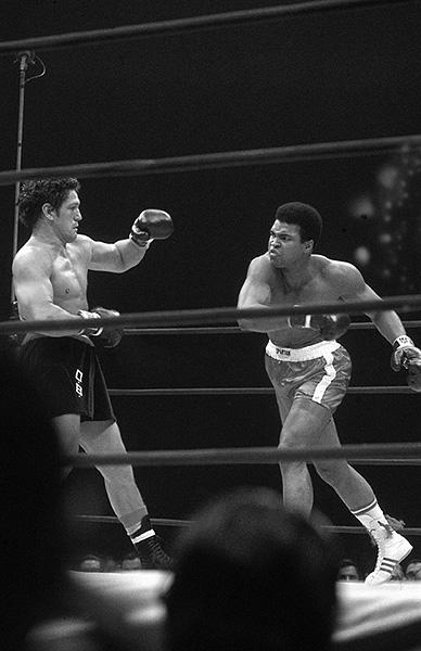 Muhammad Ali fighting Oscar Bonavena in Madison Square Garden, 1970 Gelatin Silver print