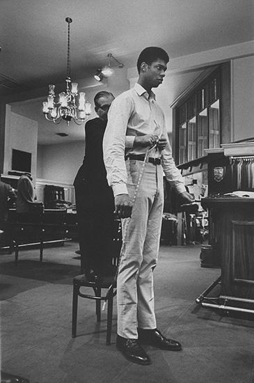 Lew alcindor at Beverly Hill Tailor, 1966 Gelatin Silver print