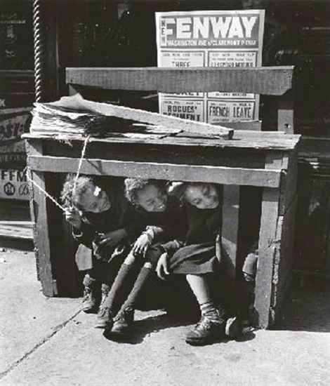 Under the newsstand, the Bronx, 1947