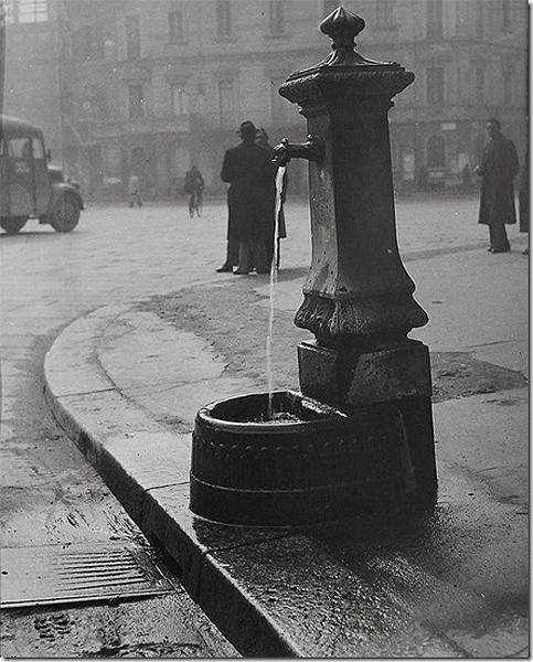 Water Fountain, Milan, Italy, 1946<br/>