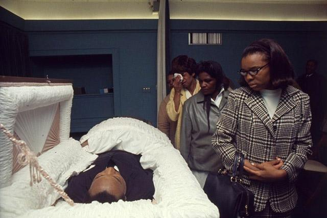 Martin Luther King, Jr., at the R.S. Lewis & Sons Funeral Home in Memphis, 1968<br/>