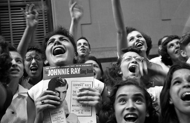Johnny Ray Fans, New York, 1951<br/>