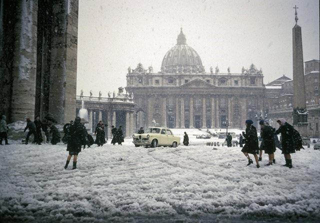 Christmas Day in Rome, Italy, 1965<br/>