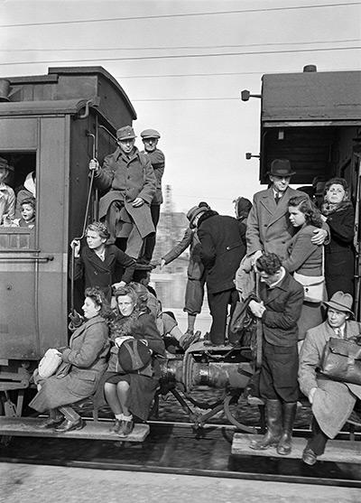 Packed Train, Germany, 1948<br/>