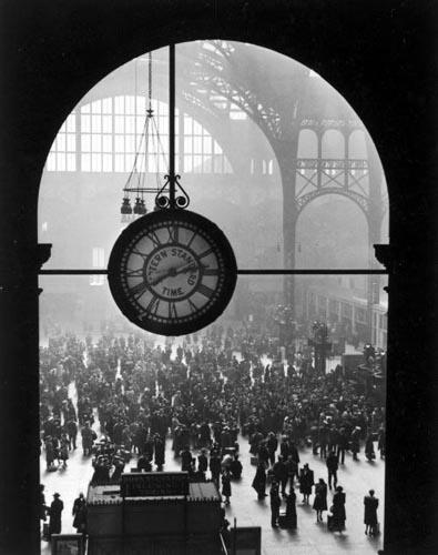 Farewell of Servicemen, Clock at Pennsylvania Station, New York, 1943 Gelatin Silver print